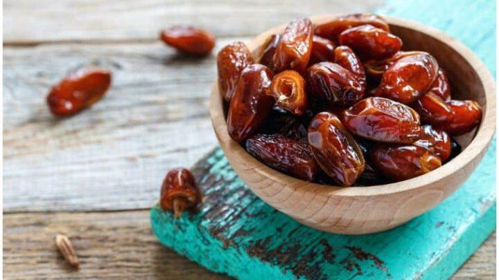 Dates vs Raisins – Comparison of Nutrition Facts & Health Benefits