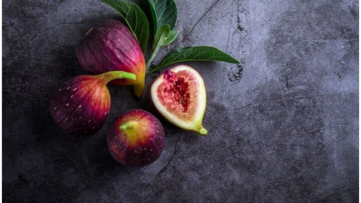 Figs vs Prunes – Which Fruits Have A Better Nutritional Profile For Constipation?