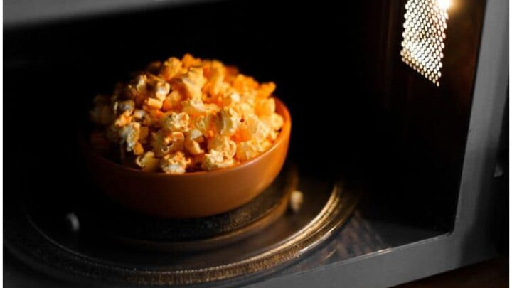 Microwave Popcorn – Side Effects, Especially If Eating Too Much