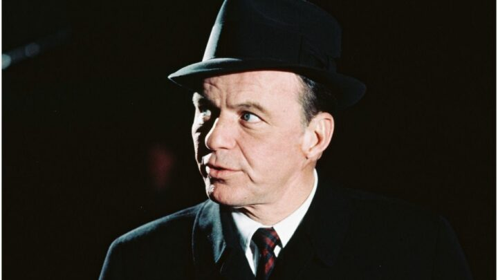 20 Famous People With Bipolar Disorder (Frank Sinatra?)