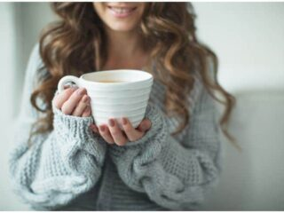 Rooibos Tea – Side Effects & Health Benefits (Acne, Hair, Sleep, Acid Reflux, Anemia)